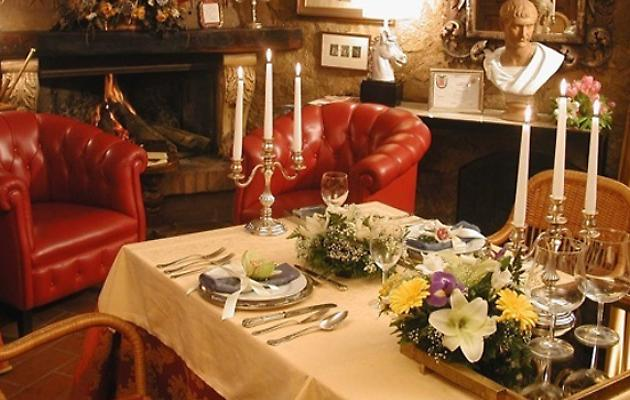 2 table restaurant