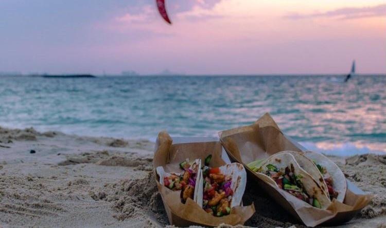Sunset lighting food photography