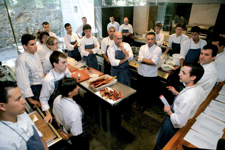 Restaurant team meetings