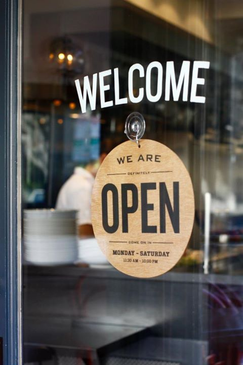 8 Simple Ideas for Your Restaurant Grand Opening (Free