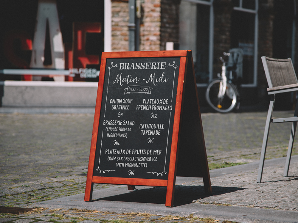 The importance of restaurant signage